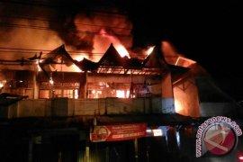 Lima ruko terbakar di Jeruju Pontianak