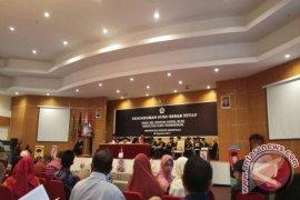 Rektor UNG Kukuhkan Guru Besar Ke-34