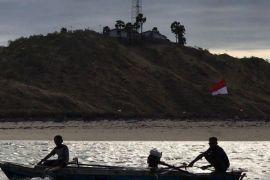 Kelompok nelayan di kabupaten Maluku Barat Daya terima sarana pengolahan ikan