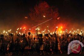 18 SMA/SMK Di Bali Ikuti Parade Cak