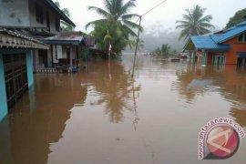 Ratusan Rumah Di Sintang Kalbar Terendam Banjir