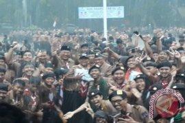 Hujan Deras warnai Puncak HUT Pramuka Di Depok (Video)