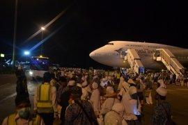 Wabup Penajam Sambut Kedatangan 120 Jamaah Haji