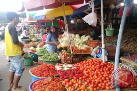 Harga sayuran produk lokal masih normal