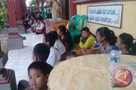 Status Awas, Ratusan Siswa SMPN 2 Rendang Dipulangkan (Video)
