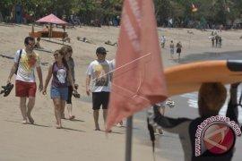 Naik, wisatawan Amerika Serikat ke Bali