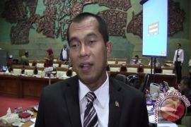 Komisi I DPR minta Dewas batalkan SPRP tiga Direksi TVRI