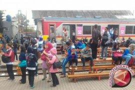 Kereta Rel Listrik Bogor-Angke Anjlok