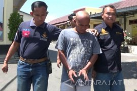 Satreskoba Polres Situbondo Tangkap Pengedar Sabu-Sabu (Video)