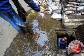 Pemprov DKI Siagakan 3.000 Pasukan Biru Antisipasi Banjir