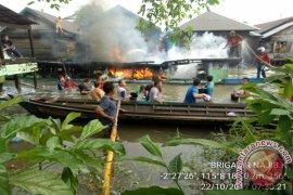 Kapal Terbakar Tiga Korban Alami Luka Bakar