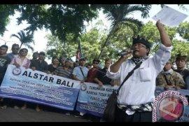 """Bali batasi 7.500 moda transportasi """"online"""""""