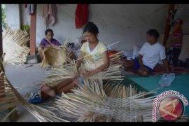 Catatan Akhir Tahun-Karangasem Bangkitkan Ekonomi Kreatif Atasi Kemiskinan