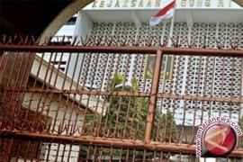 Kejagung tahan tersangka korupsi tower Bank Jabar