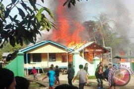 Partai Demokrat Bantu Korban Kebakaran Ujoh Bilang