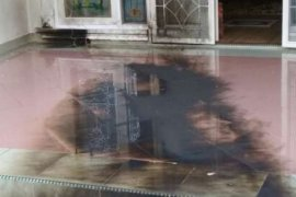 Kantor DPP Partai Golkar dilempar bom molotov