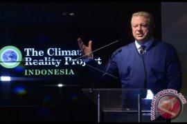 Al Gore Lauds Indonesia's Peatland Restoration Efforts