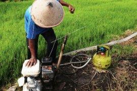 Mukomuko terima bantuan pompa air dari Kementan