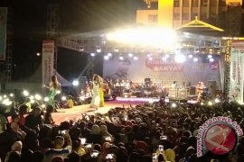 Hiburan Rakyat Warnai HUT Brimob di Ambon