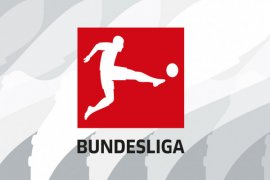 Di Liga Jerman Para Penggemar Banjiri Lapangan dengan Bola Tenis