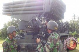 Batalyon II Marinir Tembak 52 Roket Di Singkawang