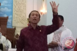 Bali Governor Calls For Calm Despite Eruption Of Mt Agung