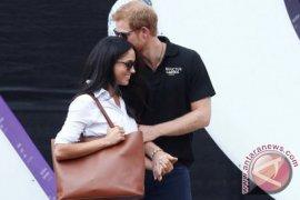 Berlian Puteri Diana Hiasi Cincin Tunangan Pangeran Harry