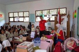Program CSR Telkomsel Baktiku Negeriku Hadir di Pulau Banda Neira
