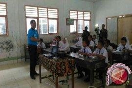Dirut LKBN ANTARA Mengajar di Pedalaman Sumatera