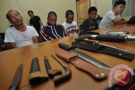 Satgas Banau amankan senjata ilegal