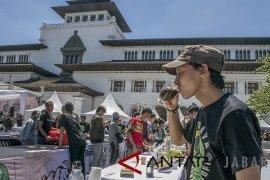 Ada Java  West Java Coffee and Art 2018, Jalan Diponegoro Bandung ditutup