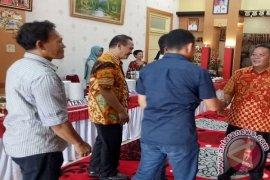 Gerimis warnai open house Natal Bupati Sanggau