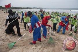 DLHK Badung: sampah Tahun Baru capai 354 ton di pesisir Pantai