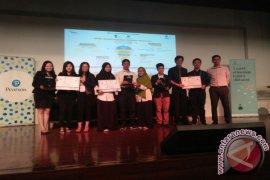 Mahasiswa IPB Boyong Juara II Lomba Debat Marketing