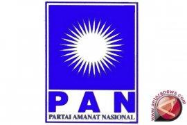 Zulkifli Hasan  umumkan  kepengurusan PANperiode 2020-2025