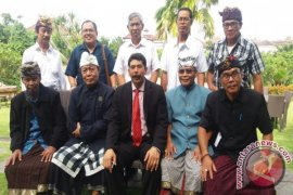 PHDI Bali dan kabupaten tolak Bali Crossing