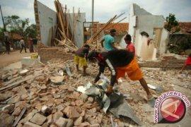 Angin puting beliung rusak belasan rumah di Situbondo
