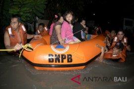 BPBD Badung evakuasi warga dan wisatawan terjebak banjir