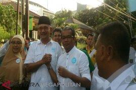 Ru`yat-Zaenul Daftar Ke KPU Bogor Diiring Marawis