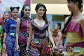 Dekranasda minta masyarakat viralkan Endek Bali