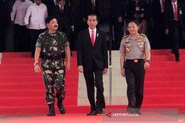 Jokowi: TNI-Polri Jalankan Tugas Baik Amankan Kegiatan Demokrasi (Video)