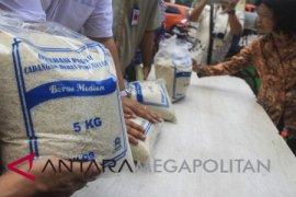 Pemkab Bogor salurkan 1.000 kupon beras lokal