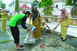 Aksi Bersih-bersih