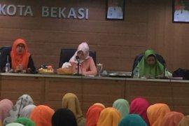 Istri Pjs Wali Kota Bekasi dukung program stimulus bagi PKK