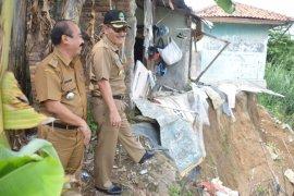 Pjs Wali Kota Bekasi tinjau lokasi Banjir di Bekasi Utara