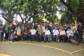 Pjs Wali Kota Bekasi coffee morning dengan insan pers