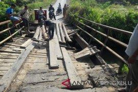 Rejang Lebong usulkan penggantian lima jembatan gantung