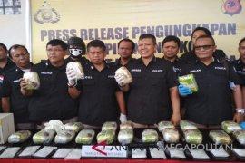 Syukurlah, Polda Jabar berhasil gagalkan penyelundupan 25,4 kg sabu-sabu