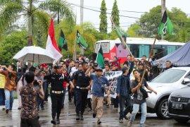 Unjuk rasa HMI di IAIN Bengkulu berujung anarkis