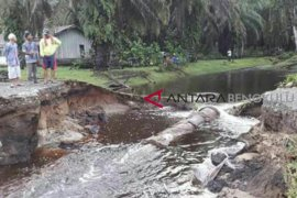 DPUPR Mukomuko selesai bangun jalan putus